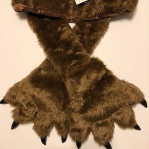 Kids Bear claw scarf gloves mittens NWT